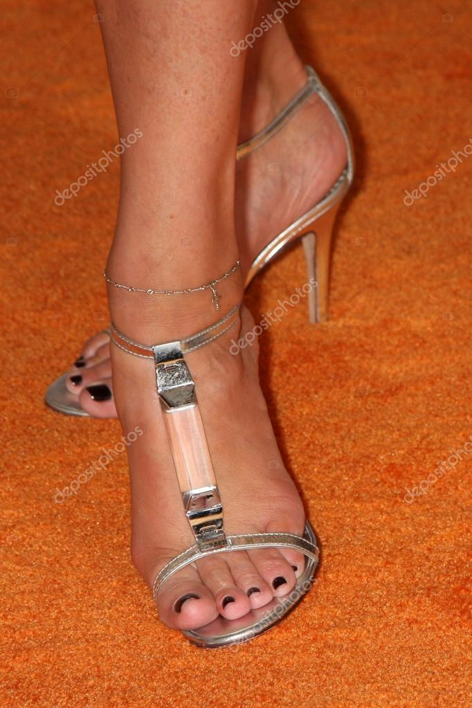 Good Nancy o dell feet