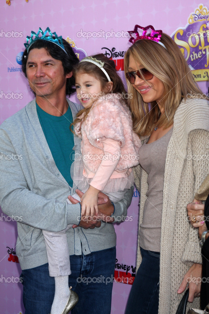 lou diamond phillips daughter indigo sanara phillips and