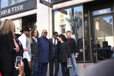 Usher, Colbie Caillat, Kenny G, Stevie Wonder, Kenny