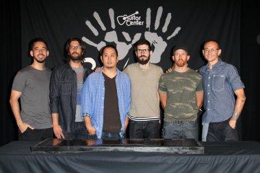 Linkin Park, Mike Shinoda, Rob Bourdon, Joe Hahn, Brad Delson, Dave Farrell, Chester Bennington