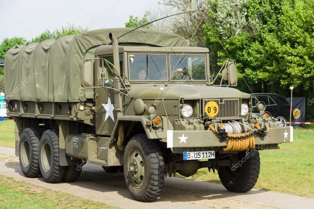 http://st.depositphotos.com/1705215/3841/i/950/depositphotos_38416627-stock-photo-american-middle-truck-u-s.jpg