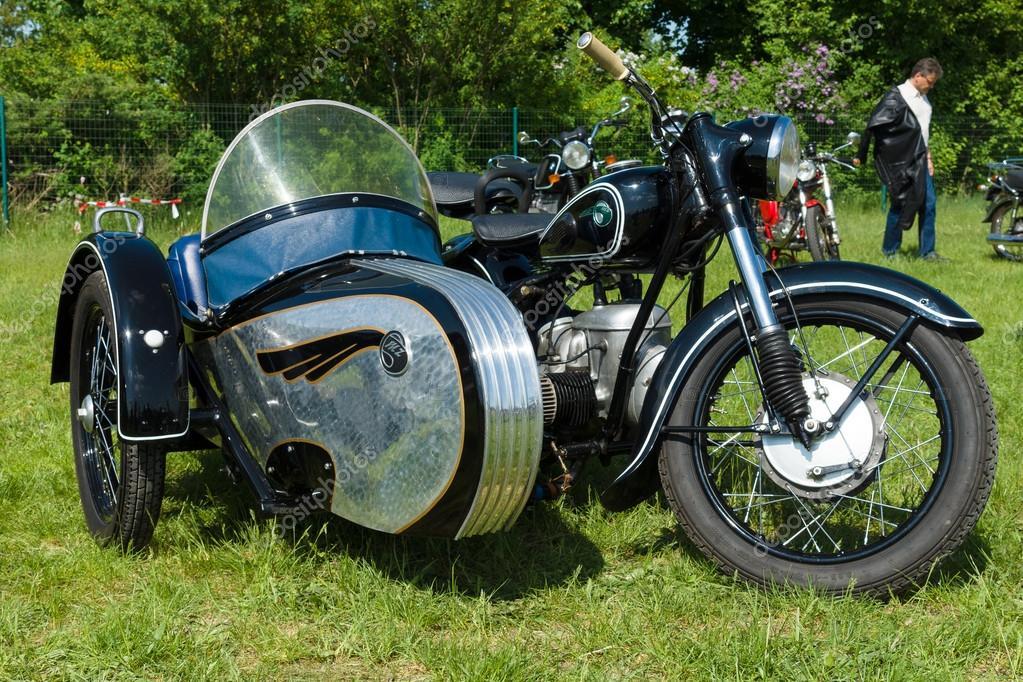 deutscher motorrad mit beiwagen mz bk 350 redaktionelles. Black Bedroom Furniture Sets. Home Design Ideas