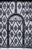 starobylé brány v historickém centru Prahy. černá a bílá. stylizované