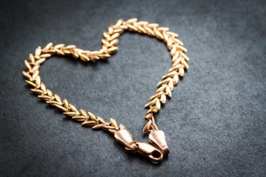 Heart shaped gold chain.