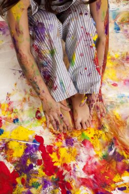 paint on hands and feet