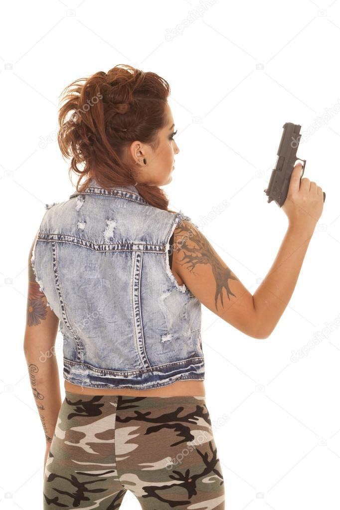 Pistolet De Tatouage Femme Dos Resistent Photographie Alanpoulson
