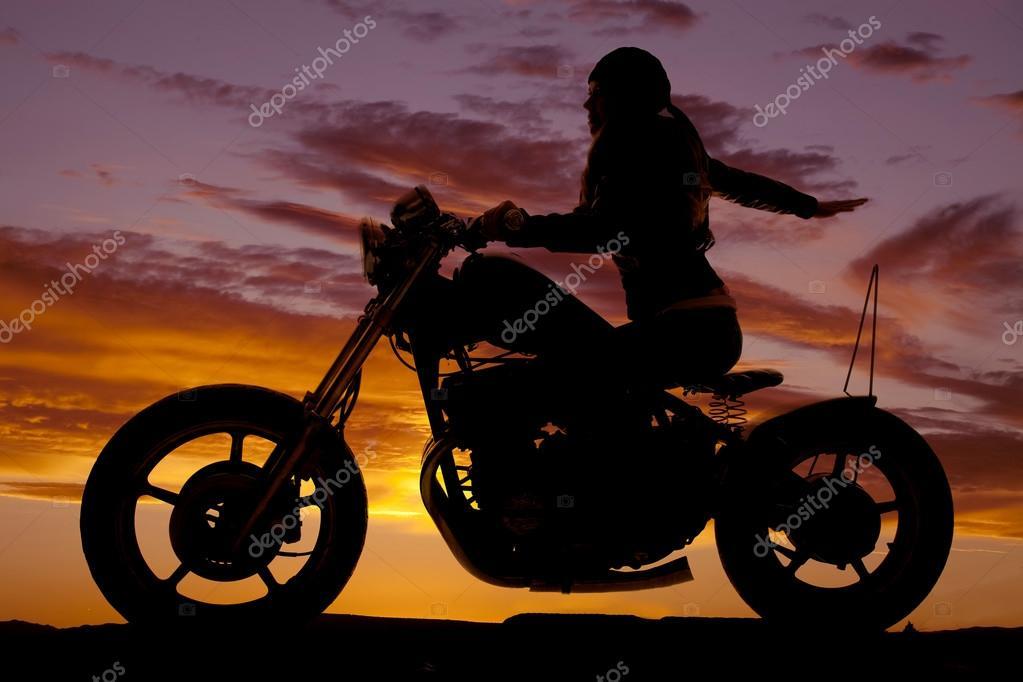 Passeio de moto com a puta - 3 6