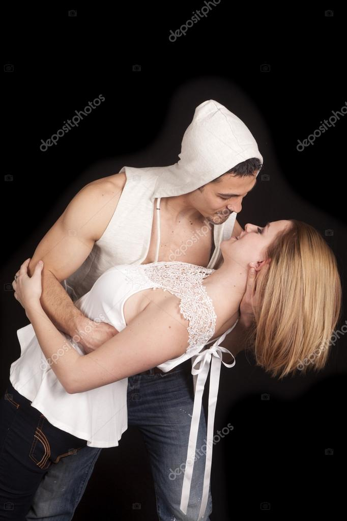 Man vest hood lean woman back side hold head — Stock Photo