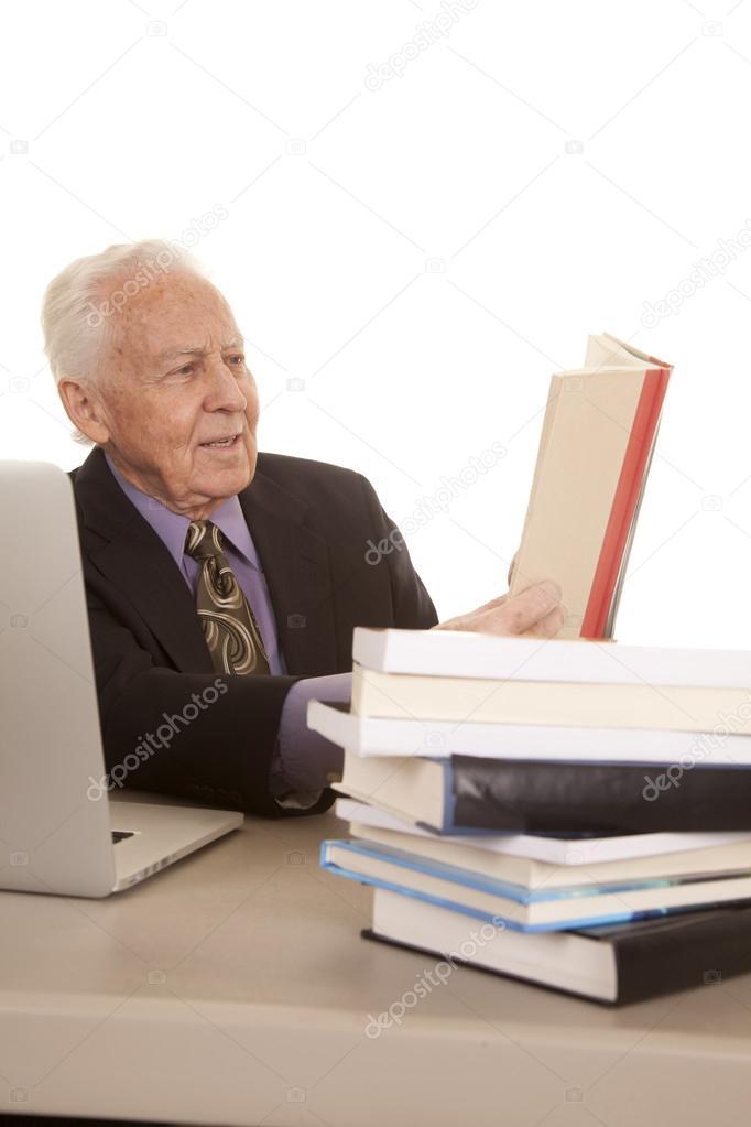Компьютер для пожилых людей книга скачать