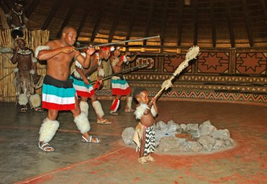 African Zulu dancers