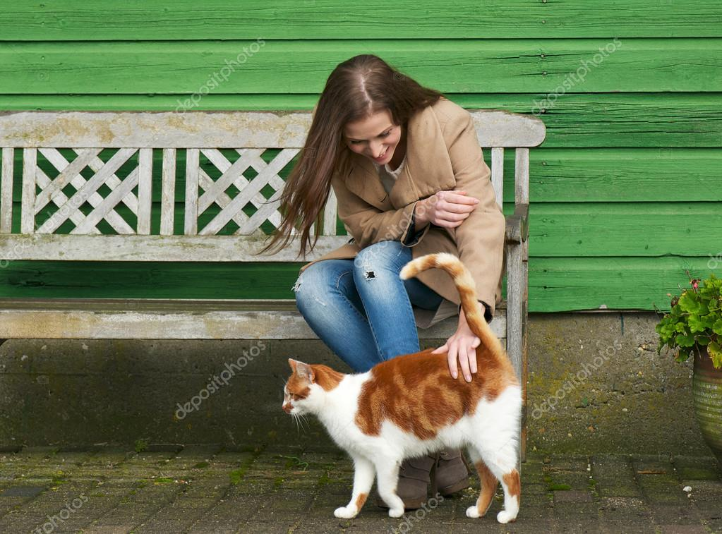 How to get an outdoor cat