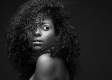 Portrait of a beautiful african american fashion model
