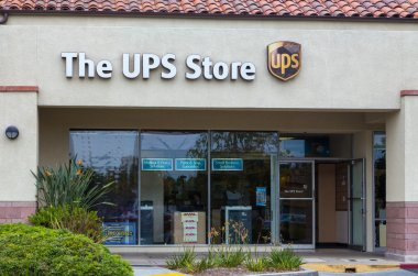The UPS Store Exterior