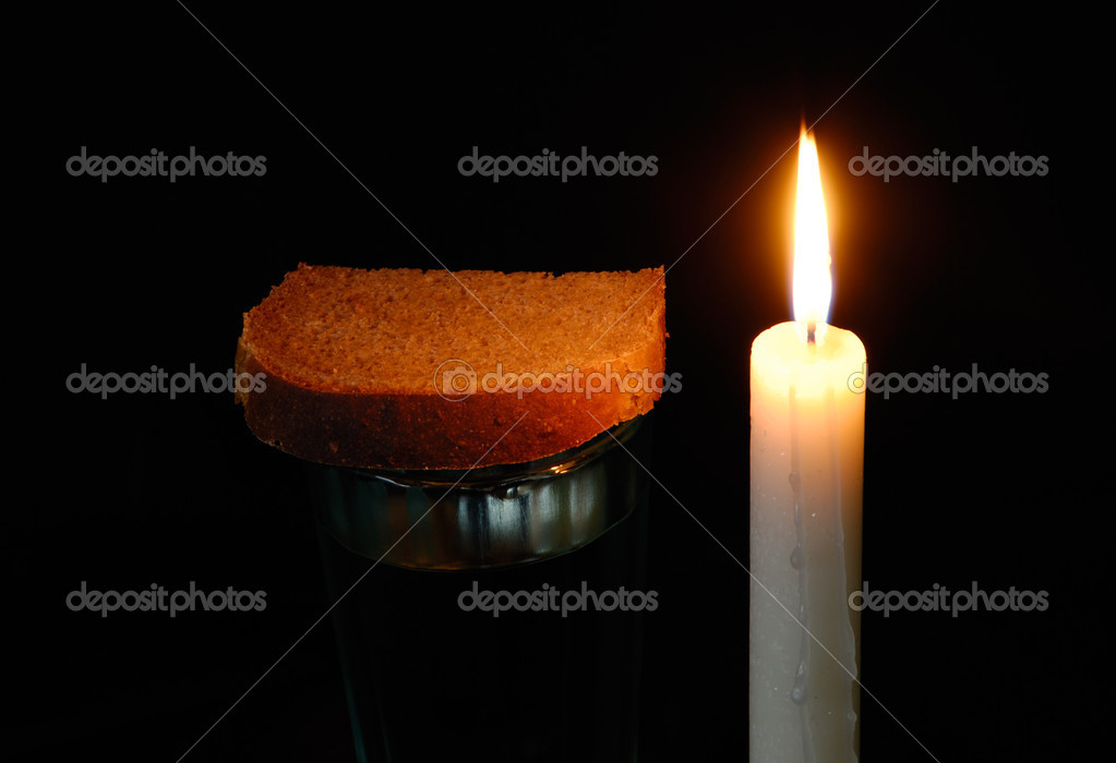 https://st.depositphotos.com/1719616/1211/i/950/depositphotos_12116895-stock-photo-burning-candle-a-glass-with.jpg