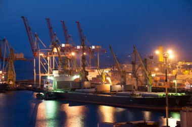 Night trade port