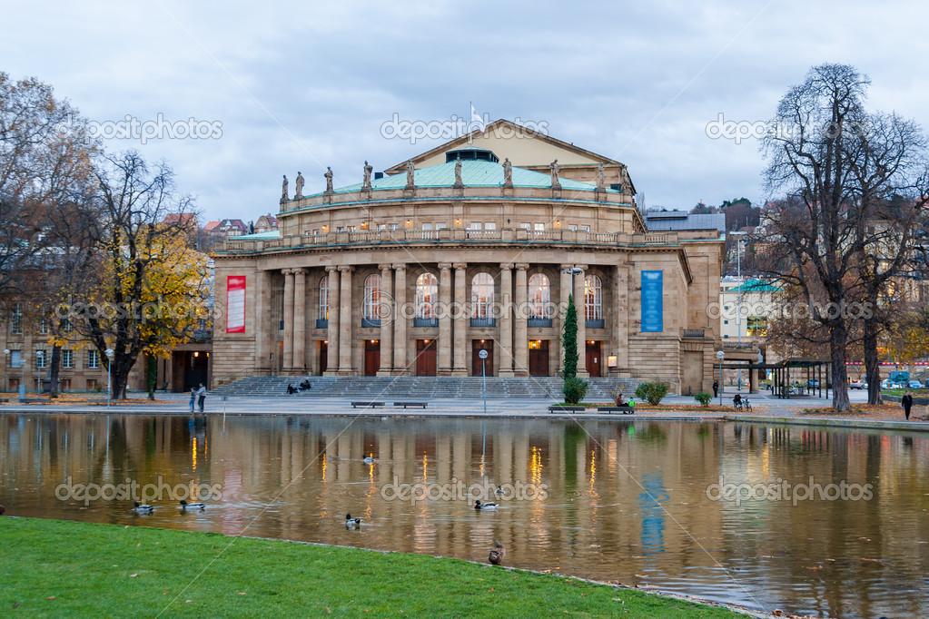 La casa de pera del teatro estatal de stuttgart alemania for House of 950