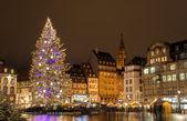 Albero di Natale alla Place Kleber a Strasbourg, capitale di Cristo