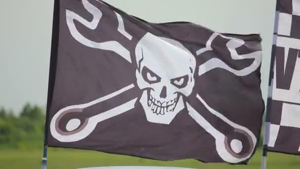 Bandiera teschio e ossa incrociate