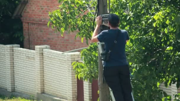 elektrikář pracovník