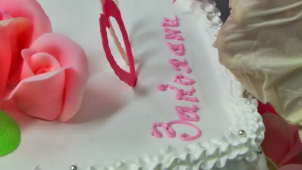 Confectioner hands  with cake