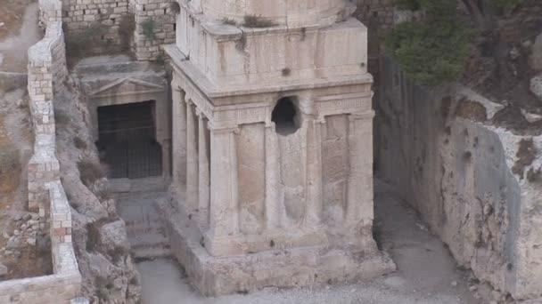 Speichern von Schriftrollen in Jerusalem-Friedhof