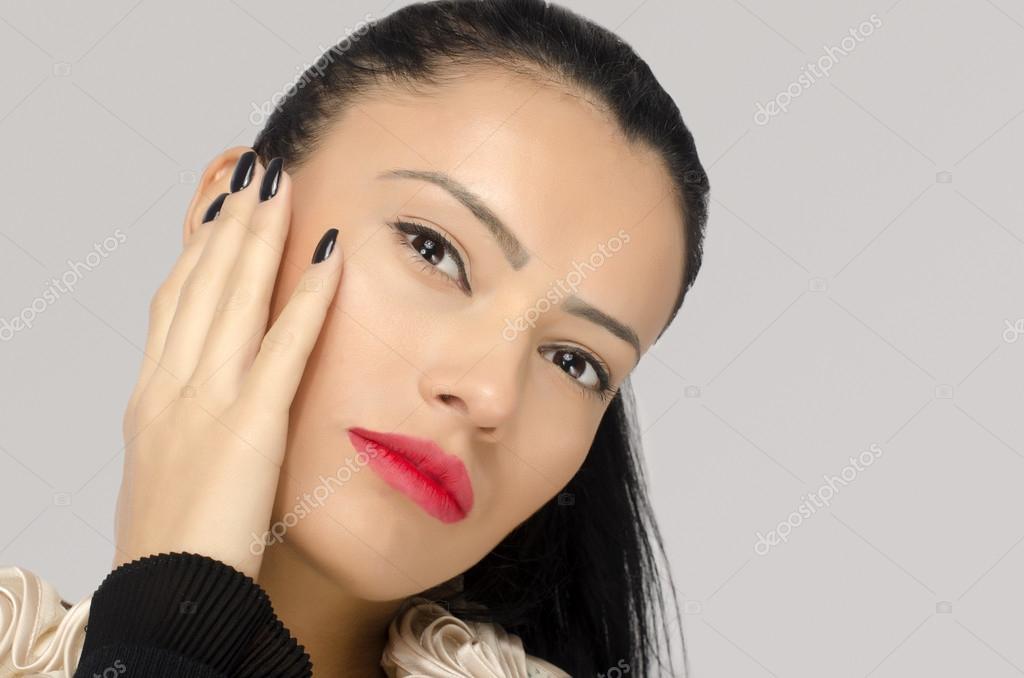 profiler italienska brunett