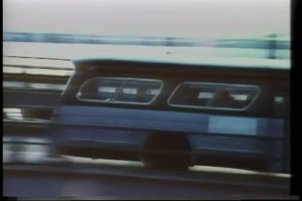 autobus na mostě manhattan, new york city