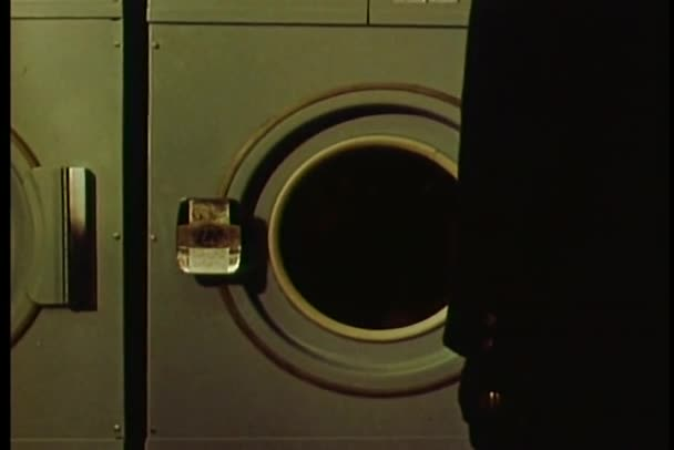 Muž, v pračce