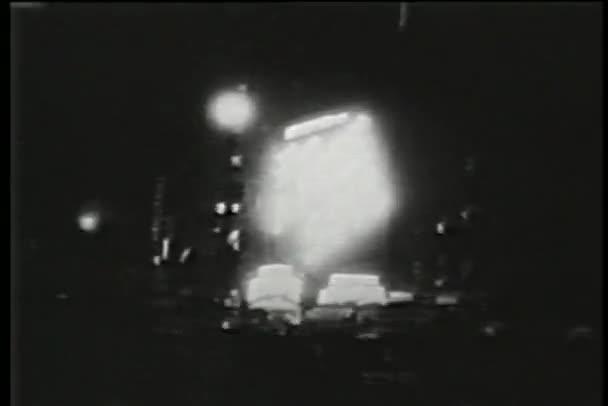 sestřih - neon billboardy, new york city, třicátých let