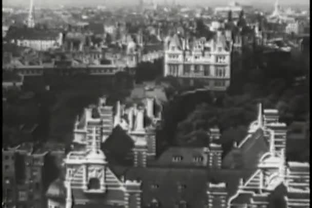 Letecký pohled na Paříž, Francie, čtyřicátých let
