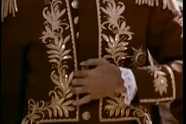 close-up Soldat knöpfte seine Jacke