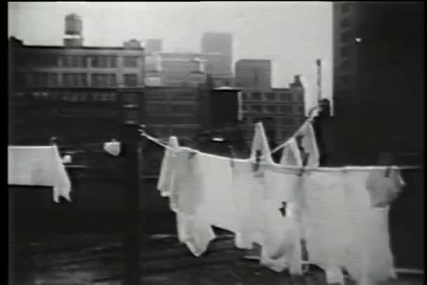 ランドリー物干し、ローワー イースト サイド, ニューヨーク, 1930 年代に掛かって
