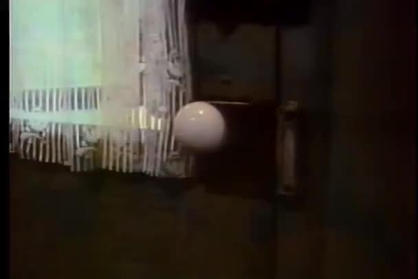 detail otevírání dveří
