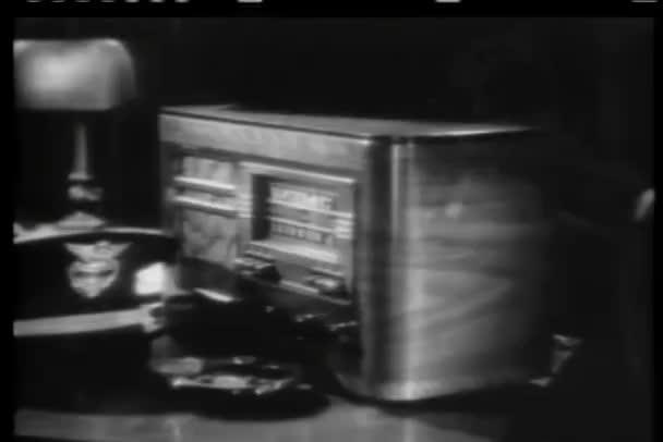 detail ruční vypnutí čtyřicátých let rádia