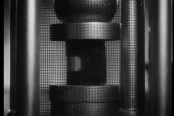 laborkách kontrolu tlaku cementu