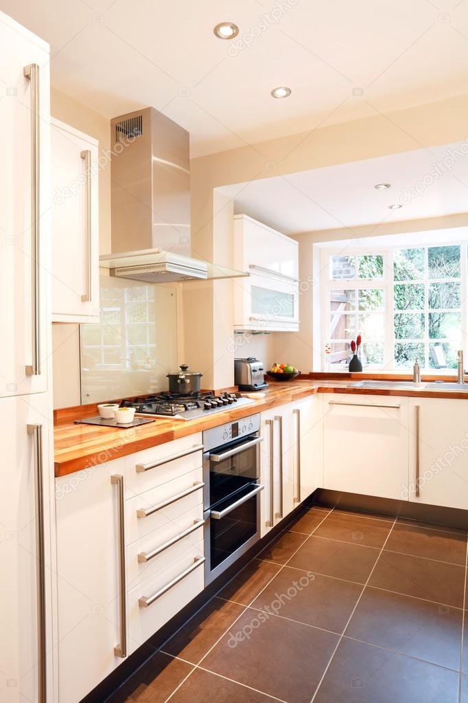 modern küche — Stockfoto © paulmaguire #13130119