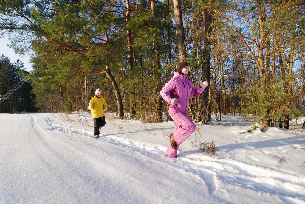Family winter jogging