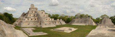 Maya Edzna complex, the Temple five floors