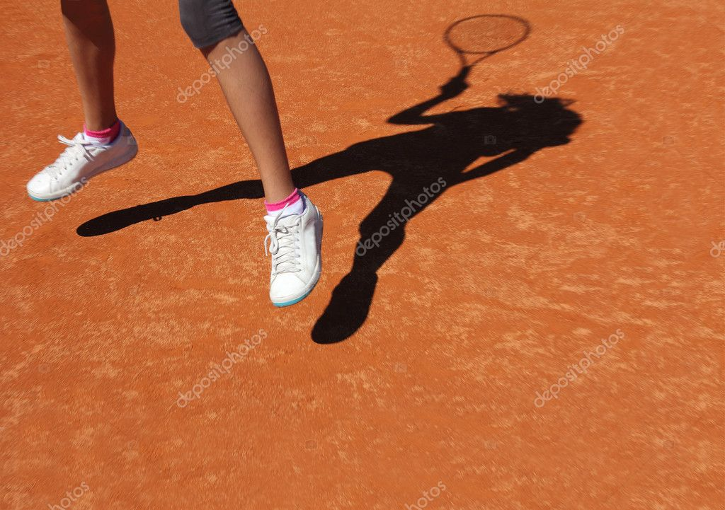 Tennis shadow