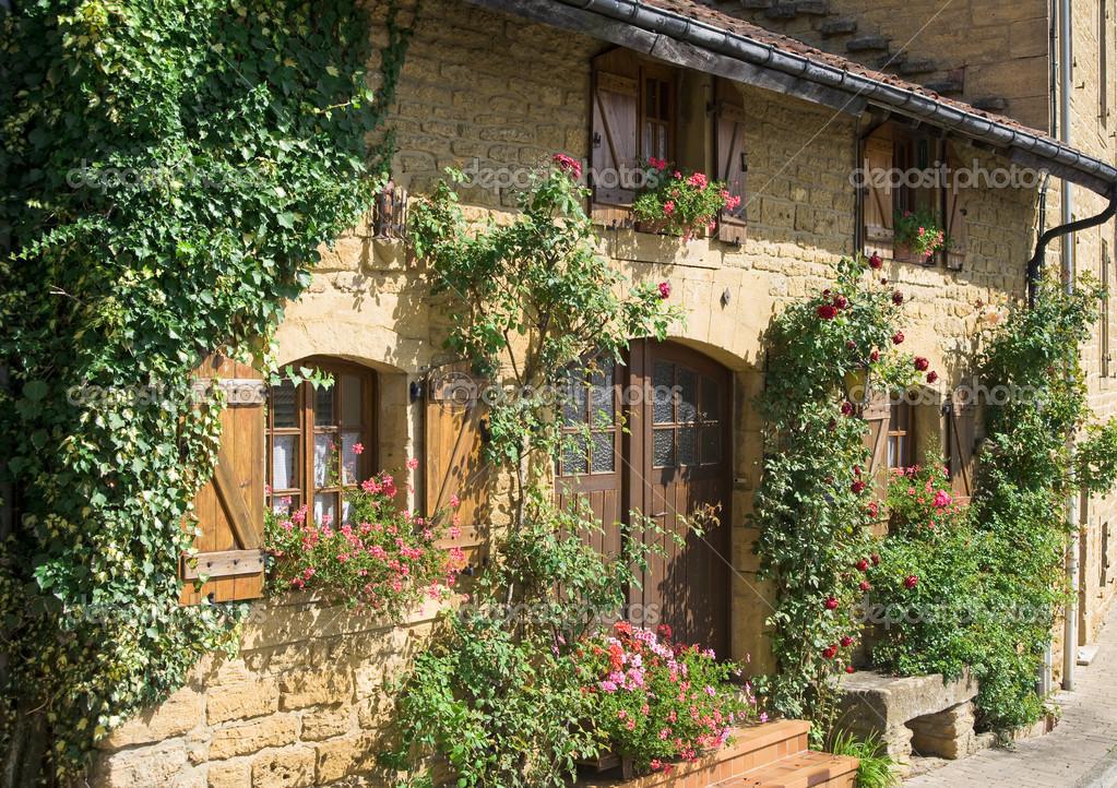 Casa di campagna foto stock treinhard 12266522 for Arredamento case antiche