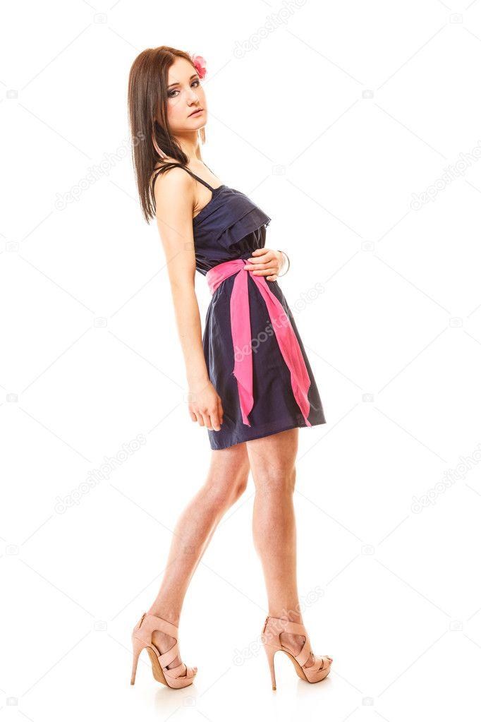 51c16ddc2322 donna moda vestito e tacchi alti — Foto Stock © Voyagerix  51074617