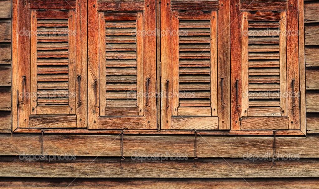 viejas ventanas de madera, 4 cerrado, estilo oriental — Foto de ...