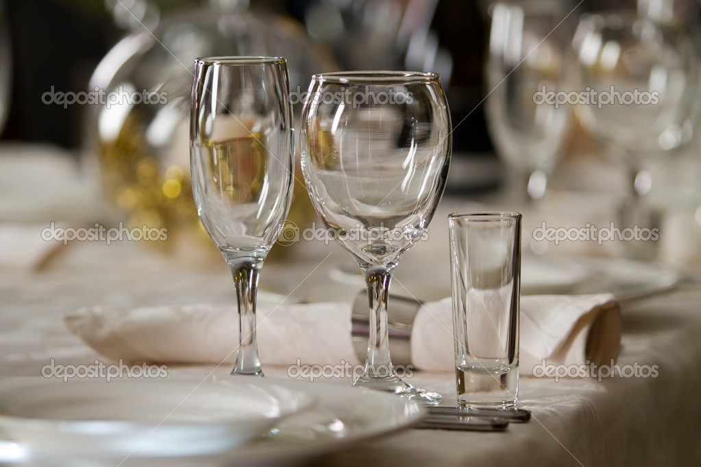 Fine Crystal Table Setting at a Restaurant u2014 Stock Photo & Fine Crystal Table Setting at a Restaurant u2014 Stock Photo ...