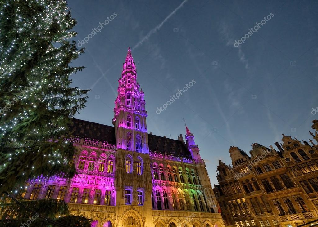 Kerst verlichting van de grote markt in Brussel — Stockfoto ...