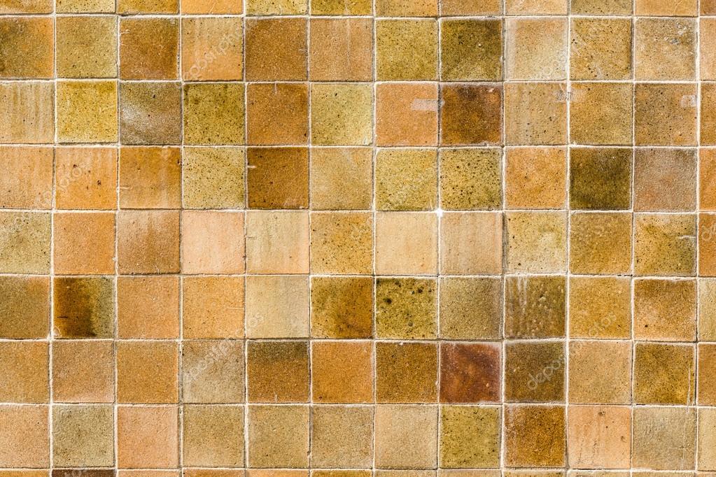 Piastrelle mosaico giallo u foto stock littlestocker