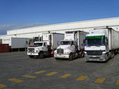 nákladní automobily, cestování a dělat svou věc