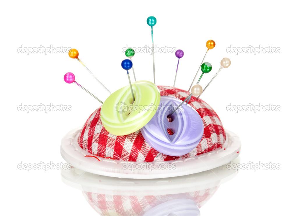 Kussen Wit 12 : Gekleurde spijkers in pin kussen en knop geïsoleerd op wit