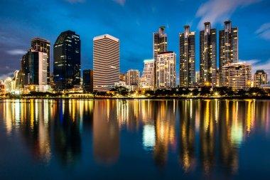 """Картина, постер, плакат, фотообои """"отражение освещения городского пейзажа ночью, бангкок страны"""", артикул 40228855"""