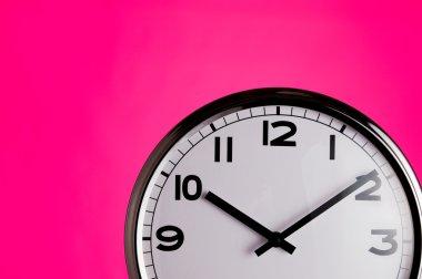 Clock on pink detail