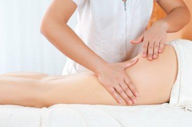 Thighs massage